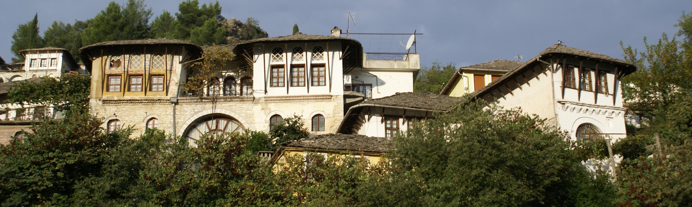 GjiroKadareok