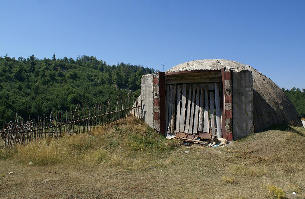 Qen-sharri-bunkerok